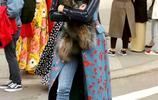 奧利維亞巴勒莫出席Carolina Herrera的時裝秀,巴勒莫單品再循環