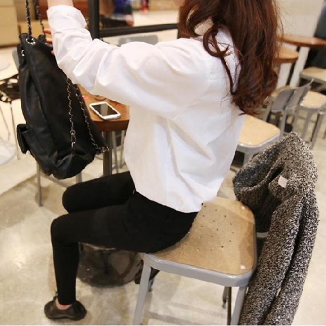 楊穎真是越來越會打扮了,這次穿的襯衫甜美有氣質,網友都求同款