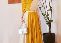 楊千嬅真優雅,穿8萬2的拼接裙提銀色包包,45歲美到骨子裡