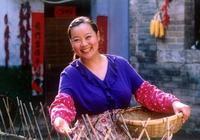 趙本山的第一個搭檔,姐弟戀幸福美滿