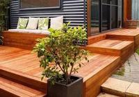 防腐木材在庭院中的表現形式以及養護方面的注意事項。