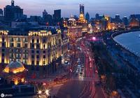 當代女作家王安憶散文《上海是一部喜劇》,獨具特色,請欣賞!