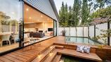 庭院案例:有防腐木臺階的幾十平米的小院子,也可以設計的這麼美