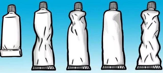 據說擠牙膏的方式會暴露出你的性格?來看看準麼~