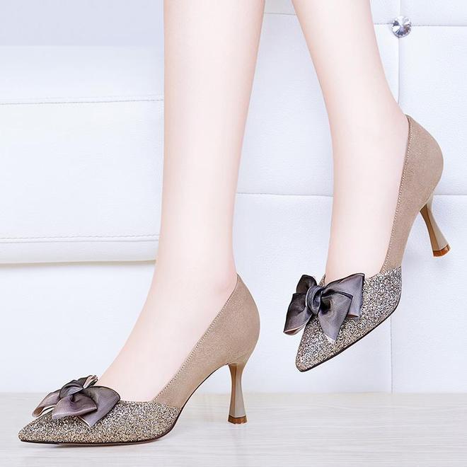 春季出門,建議穿雙這高跟鞋!洋氣不累腳,配裙配褲都超美