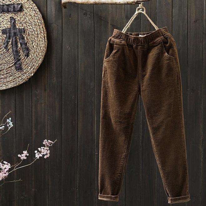 """緊身褲太勒了!新流行的""""休閒褲"""",時髦顯瘦不說,天冷也不凍腿"""