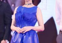 衣品不輸小花,65歲趙雅芝也太會穿了,一言不合就美成35歲