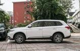 美女朋友借車後在車上做的事,讓車主不再敢借車給她了!