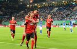 德國足協盃羅斯托克VS柏林赫塔,這是9年之後兩隊再次碰面德杯