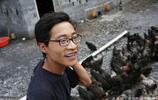 小夥16歲外出打工 聽聞父親患腦梗毅然返鄉 在農村養雞走上致富路