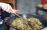 秋子做的外婆菜太香了,三嫂連吃3碗飯!三哥都看呆了