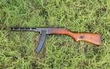 波波沙衝鋒槍和MP40衝鋒槍對比,都是經典中的經典