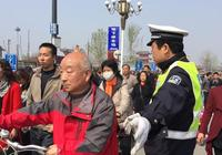 開封警方護航2017中國(開封)清明文化節