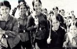 老照片:越南戰場上的美麗殺手,圖7女兵全副武裝,迎接戰爭
