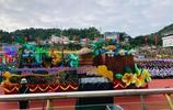 緬甸華人特區30週年大慶花車:代表各行各業發展,漢字寫30年輝煌