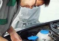 """打開機油蓋,上面出現一層""""牛奶液體"""",老司機:可以叫拖車了"""