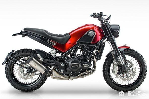 想買輛摩托車,主要用途上下班代步。週末出去玩耍。預算5萬左右,有什麼好的推薦嗎?