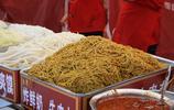 美食博覽會上奇葩吃食,排隊也都買不上,聞著臭吃著香