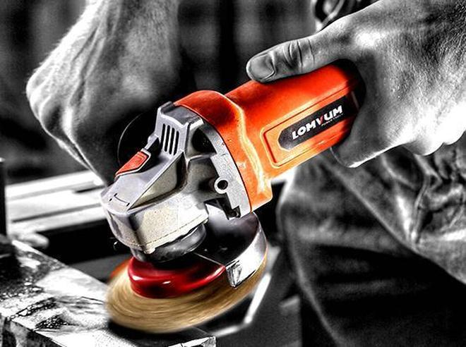 舊雕刻機,拋光機淘汰了,多合一五金工具面世,大大提高木工效率