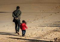 咸陽馬團周:她把父親叫伯