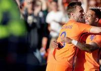 半場-荷蘭3-0科特迪瓦,羅本傳射維爾特曼雙響