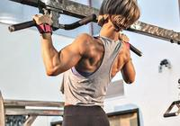 為什麼有的人引體向上只能做幾個,卻背部肌肉明顯?