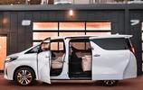 奢華MPV Toyota Alphard  埃爾法一臺加價神車,依舊搶著買的豐田