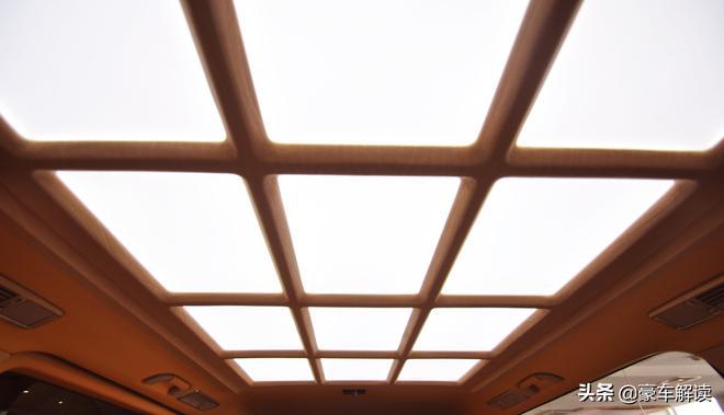 進口奔馳維特斯,復古與新潮的完美結合,能否成為你視線的焦點