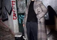 大衣+牛仔褲+踝靴王炸組合!這樣簡單穿搭才是街拍達人的穿搭