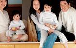 63歲林青霞與29歲繼女同框,一個很貴氣一個很洋氣,兩人親如姐妹