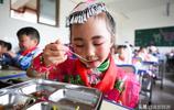貴州畢節從農村搬遷到城裡的孩子,這個六一兒童節怎麼過呢?