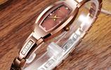 別再傻傻帶手鍊了,太low!有品味的女性都換上了這款潮流手錶