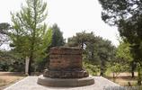 北京西山有兩座墓,生前積怨死後僅相距200米,保存卻是天壤之別