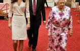 """凱特王妃多次隨同女王出席活動感情升級,從陪同者轉變為""""朋友"""""""