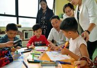 王志剛走訪慰問少年兒童