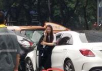 廣州奔馳女司機闖紅燈致13傷,事發時穿鬆糕鞋,你怎麼看?