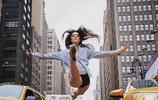 9幅街頭芭蕾舞圖證明:芭蕾舞練習難度比瑜伽更大,學過芭蕾舞的心有體會!