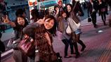實拍日本街頭老百姓,女孩子不怕冷冬天也穿短裙