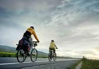 如果你要騎自行車出遠門旅行,你會選擇山地自行車還是公路自行車?