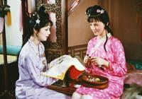 《紅樓夢》裡薛寶釵與襲人交好是真心還是假意?