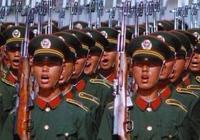 中國警察隊伍,連續換髮6次警服,為何都使用了紅領章?