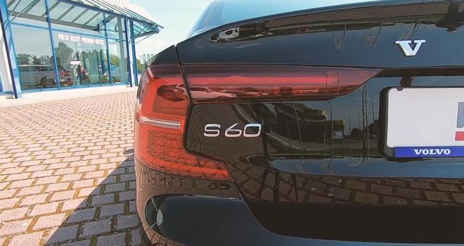 19款歐版沃爾沃S60 T5到店實拍,內飾科技感不輸新3系