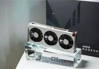 銀色戰甲三面信仰燈 全球首款7nm遊戲顯卡AMD Radeon VII開箱圖賞