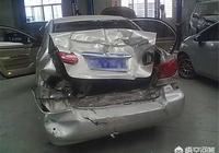 二十多萬新車被追尾,追尾的麵包車只有交強險,車受損嚴重怎樣處理損失能小一些?