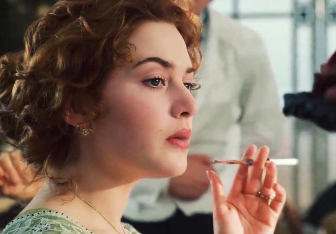 泰坦尼克號的羅絲,回首再看看終於知道為什麼會叫肉絲了