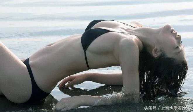 日本女神級別女星海邊度假晒美照,網友:氣質不凡!