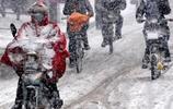 冬天騎電動車冷死人!瞧瞧浙江人的聰明整法,盡情騎行不受罪