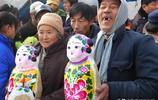 山東農村二月二習俗,炒蠍豆、拴娃娃、打糧囤,給耕牛喂煎餅