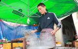山東夫妻凌晨2點賣肉夾饃,每天早上賣600個,吃的人絡繹不絕