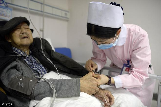 為什麼沒查出癌症前,人還活蹦亂跳的,確診後,人突然就不行了?